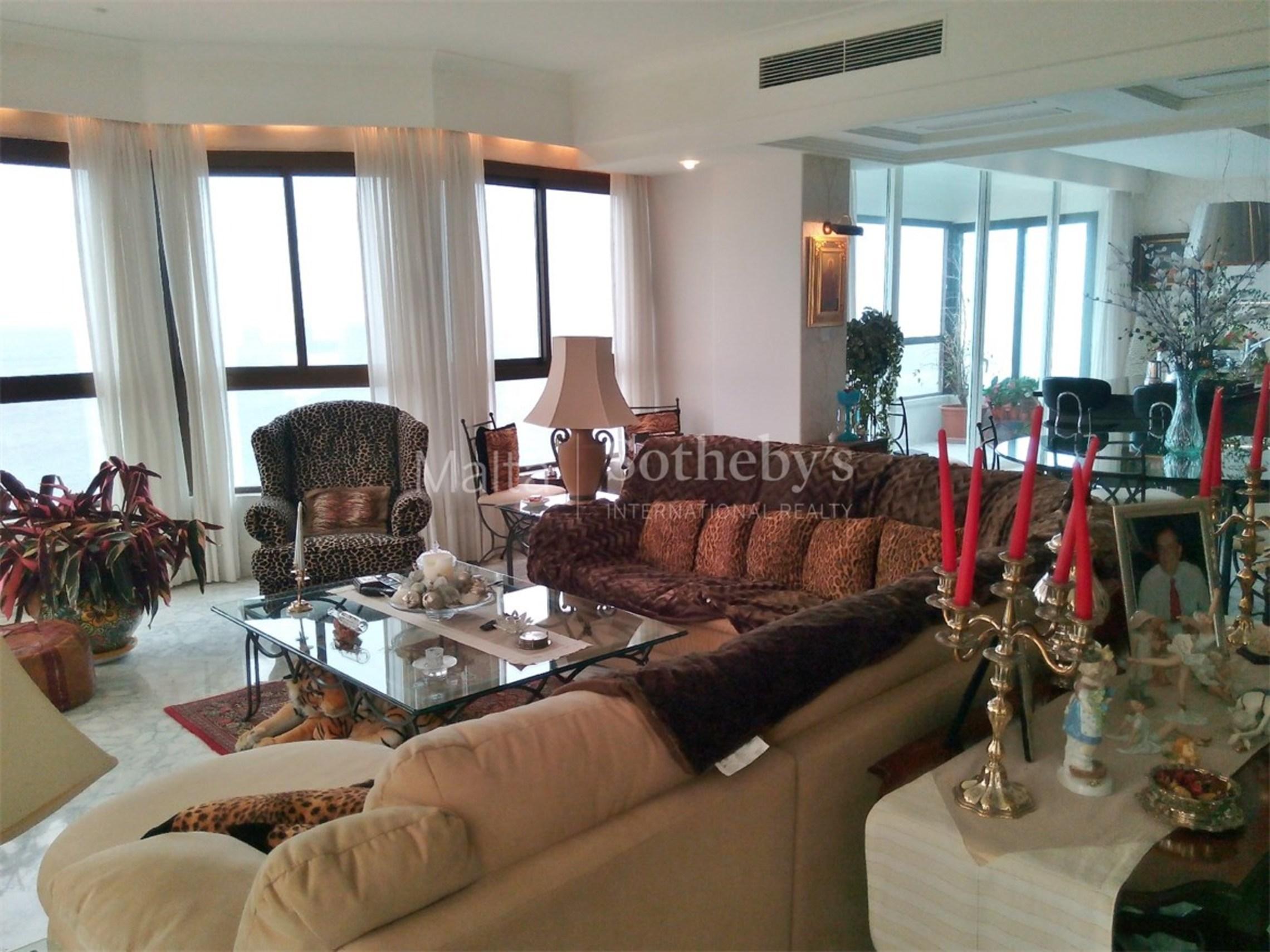 Elegant Seafront Apartment