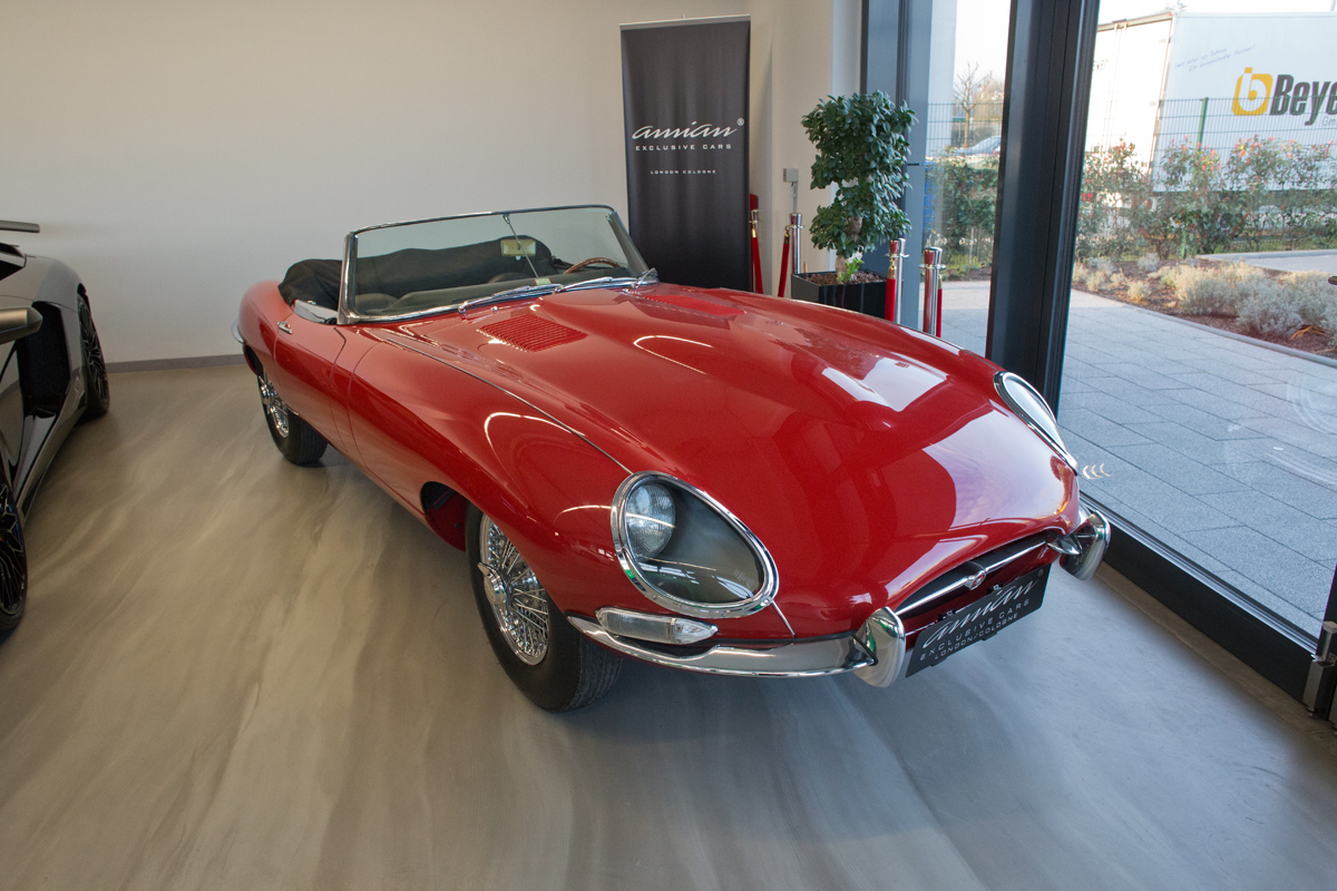 Jaguar E-Type 1 of 500