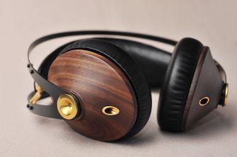 Headphone Classics 99 - Walnut and gold