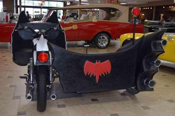 1972 Z MOVIE CAR 1966 BATCYCLE CUSTOM MOTORCYCLE