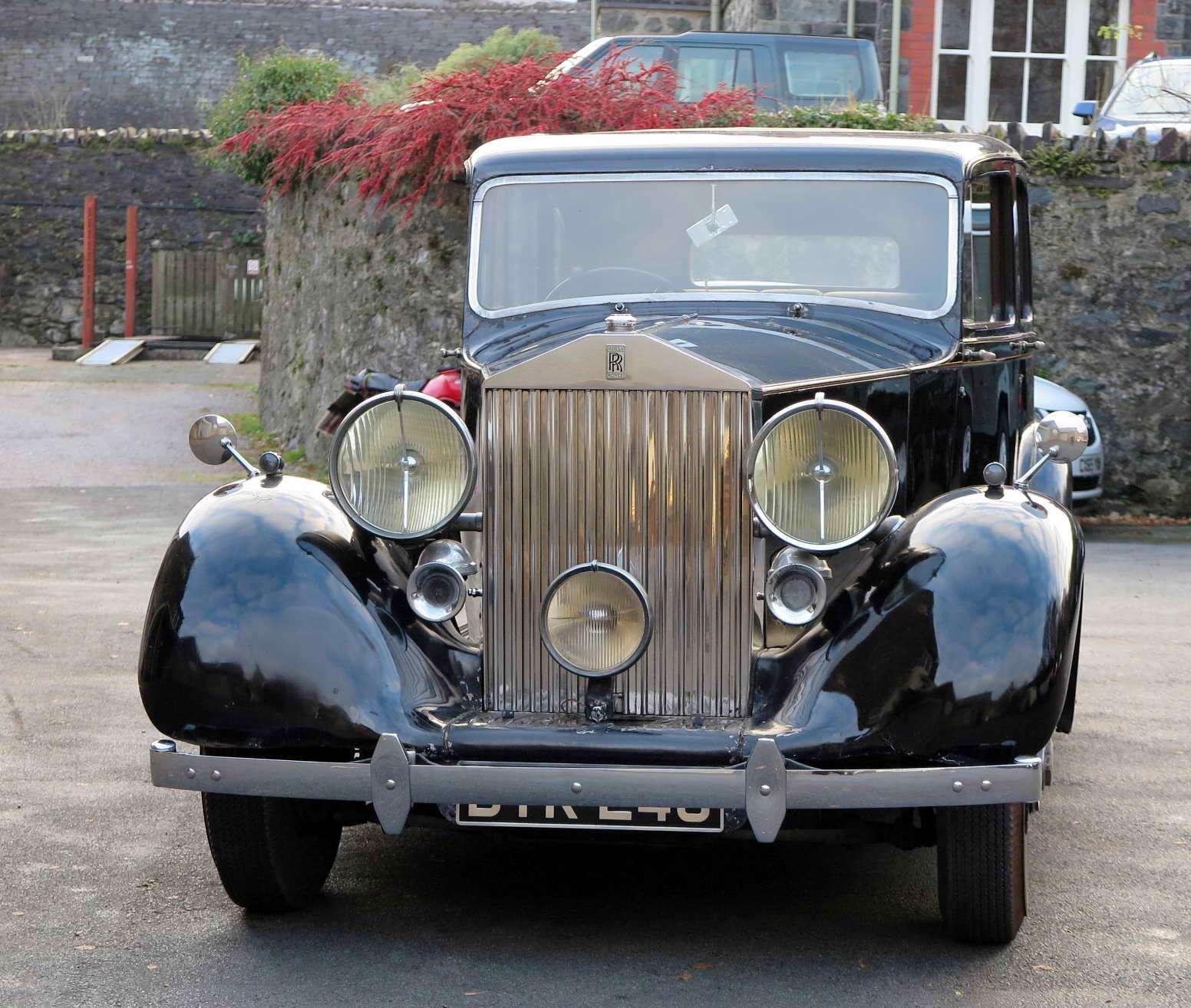 1939 Rolls-Royce Wraith Hooper Limousine