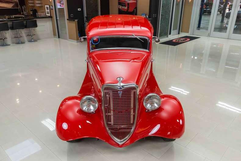 1934 Ford Tudor Sedan Street Rod