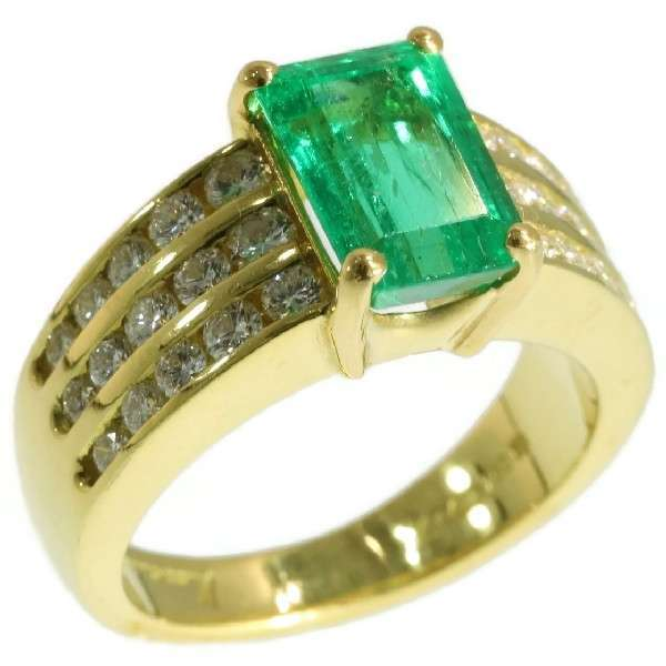 Vintage Emerald and Diamond Ring Signed Kutchinsky
