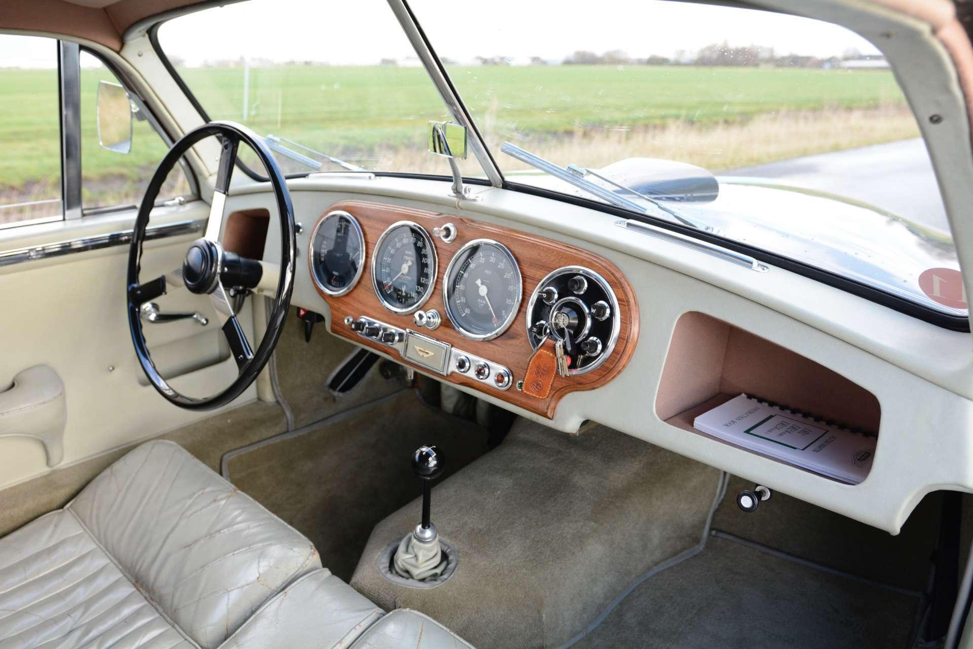 Aston Martin DB2 Vantage 1953