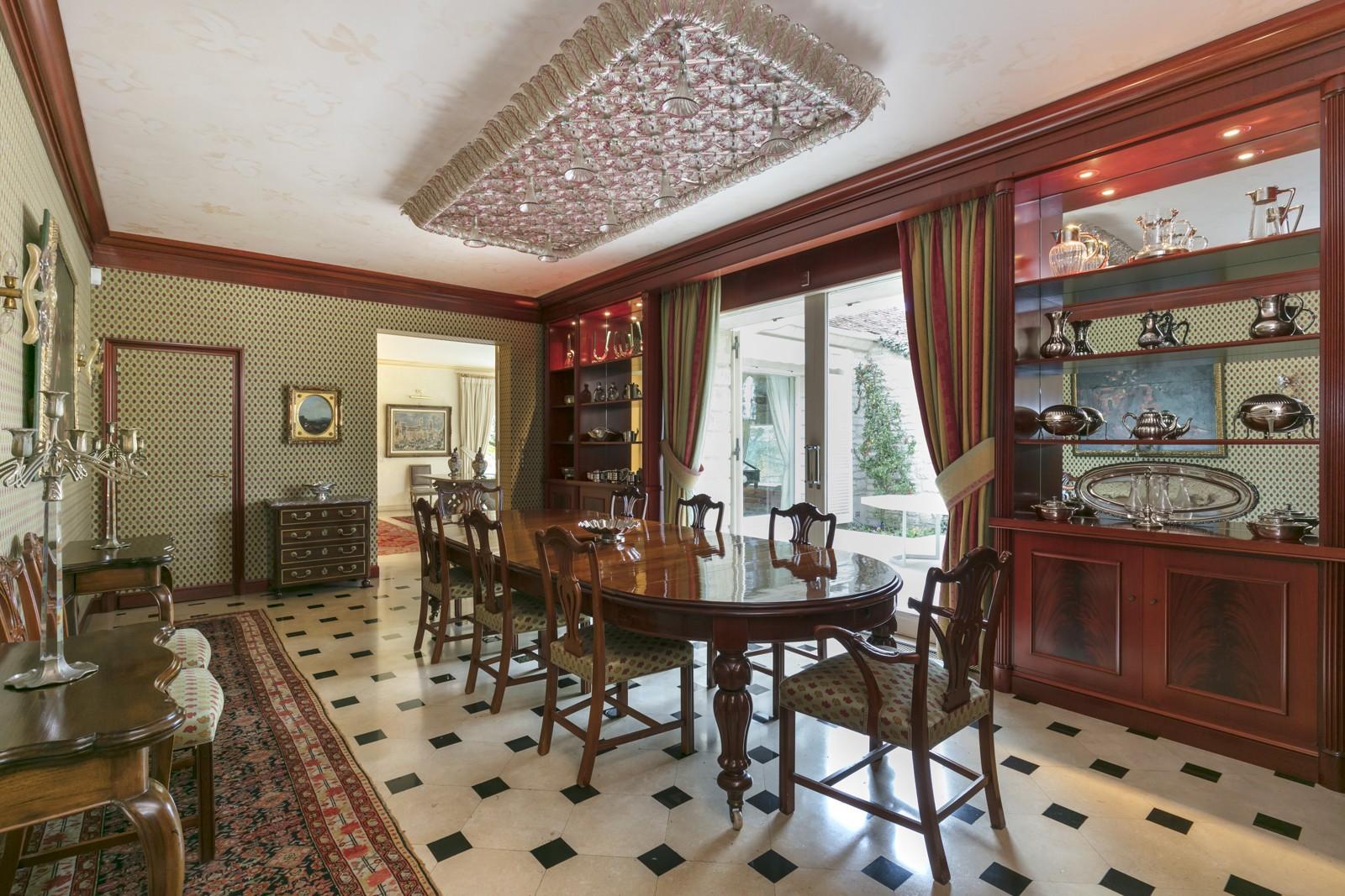 HIGH-END PROPERTY IN SAINT NOM LA BRETECHE, 9,332sqft HOUSE, 2.47-ACRE PLOT
