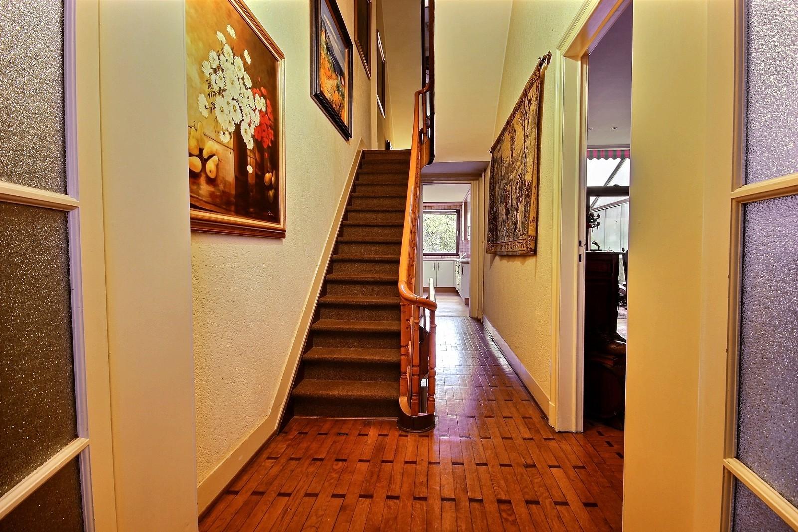Altitude 100 Molière- Maison de Maître- 5 Bedrooms- garden and garage