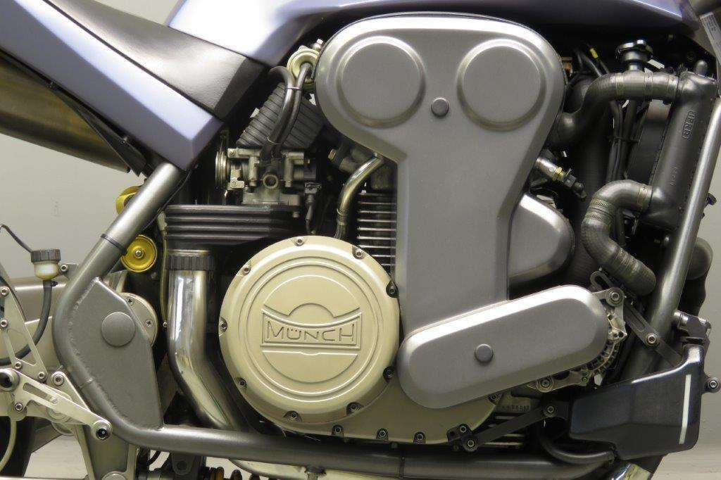 Münch Mammut 2000 2001 4 cyl 1998cc 16 valve OHC 2712
