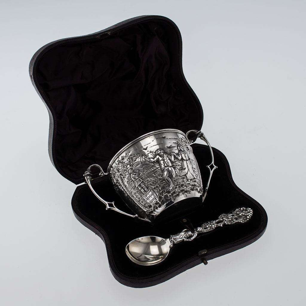 ANTIQUE 19thC VICTORIAN SOLID SILVER CHRISTENING SET, LONDON c.1872-86