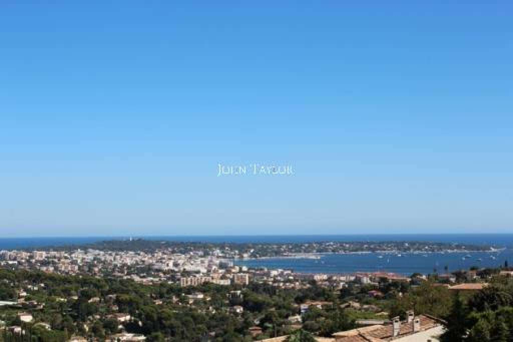 PROPERTY IN SEASONAL RENTAL GOLFE JUAN
