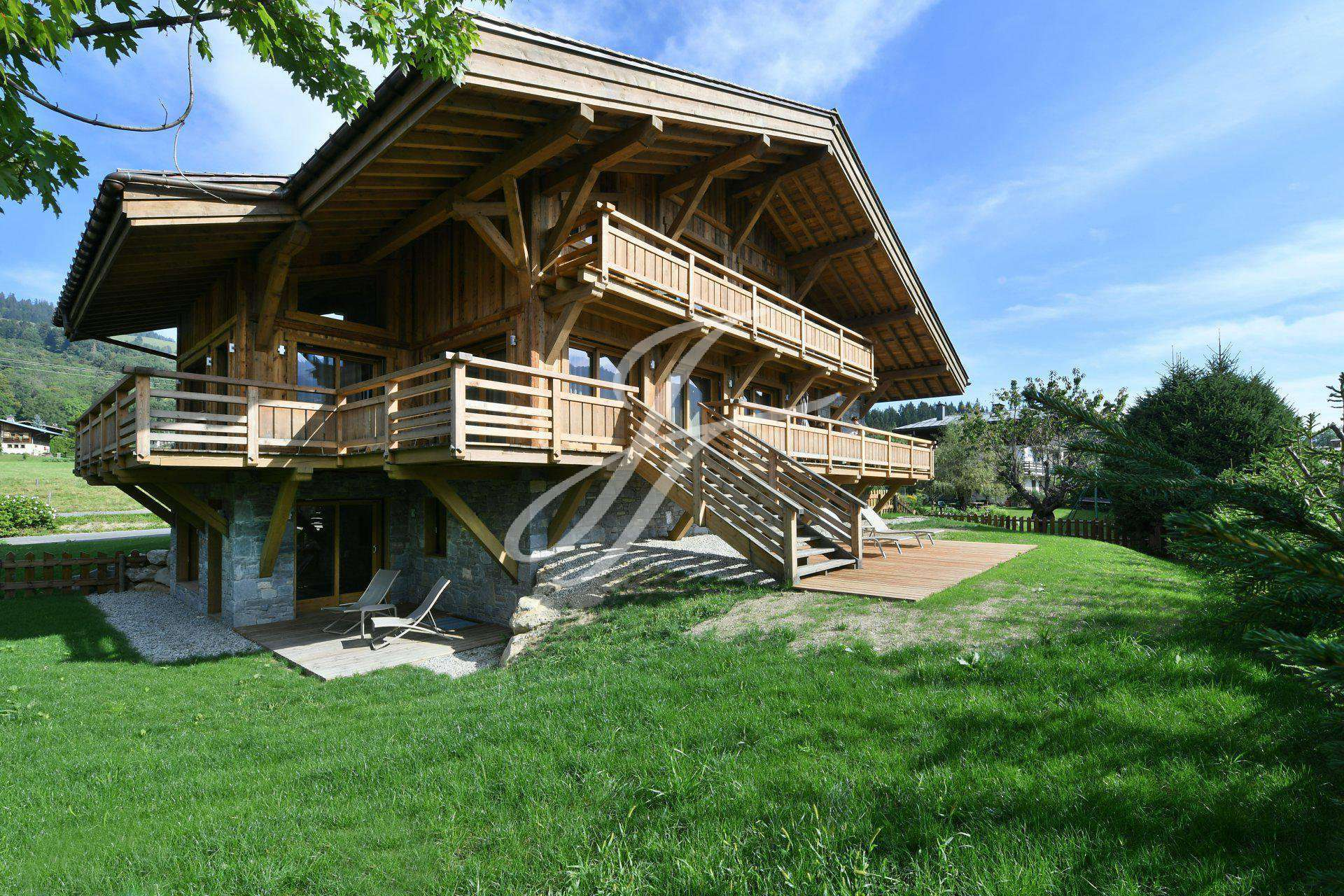 CHALET IN SEASONAL RENTAL MEGEVE