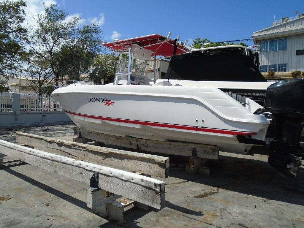 2003 Donzi Boats 29 ZF Cuddy