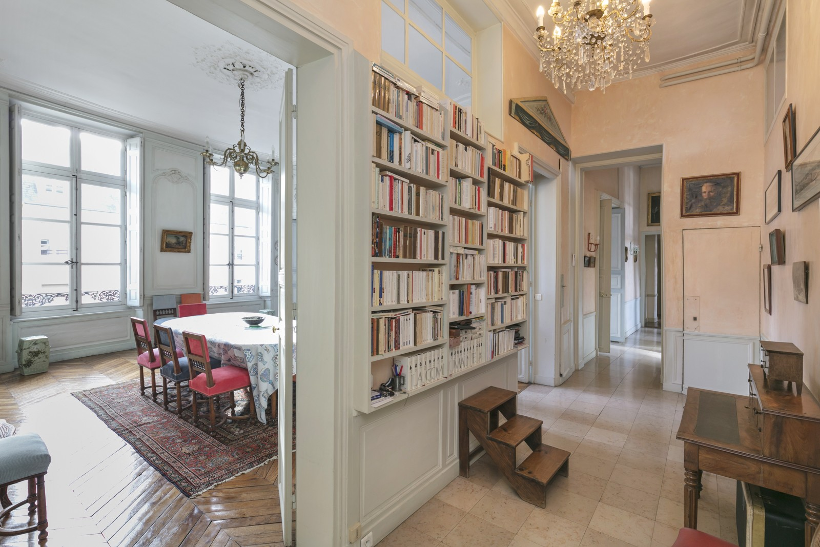 EXCEPTIONAL APARTMENT, 4 BEDROOMS, RER A 10 MIN AWAY