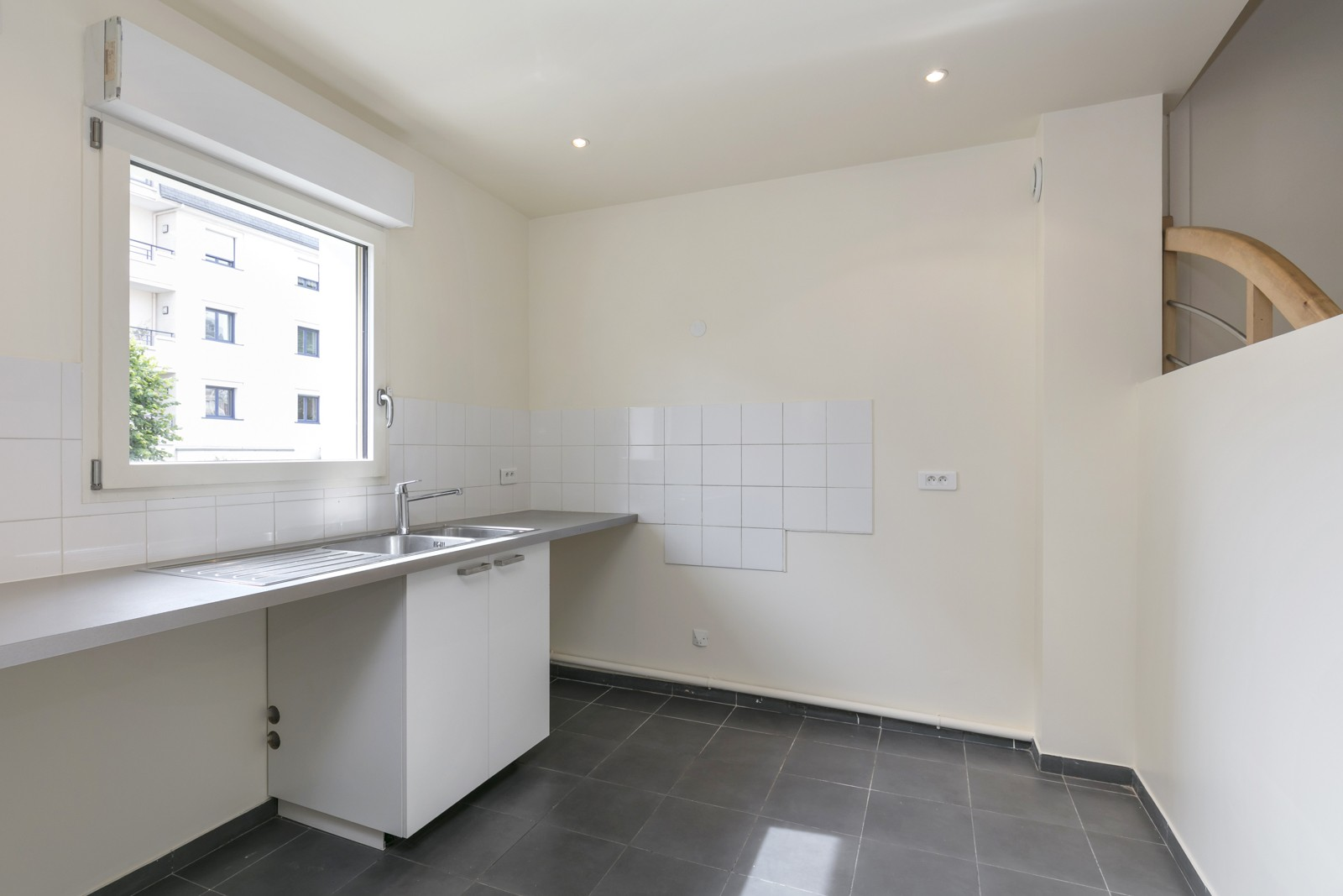 LA GARENNE COLOMBES FAMILY TOWN HOUSE