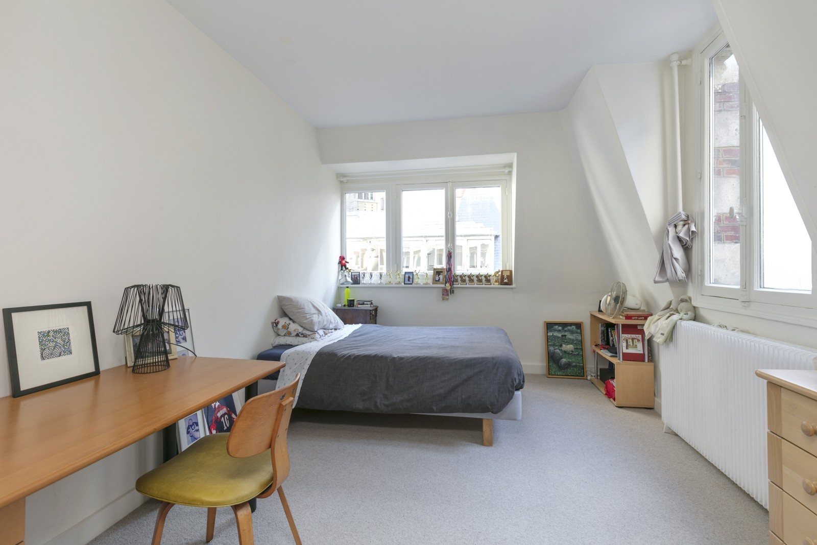 NEUILLY SABLONS - 7-BEDROOM FAMILY HOME