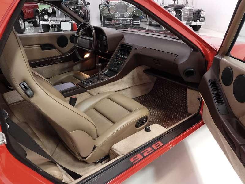 1986.5 Porsche 928S Sunroof Coupe