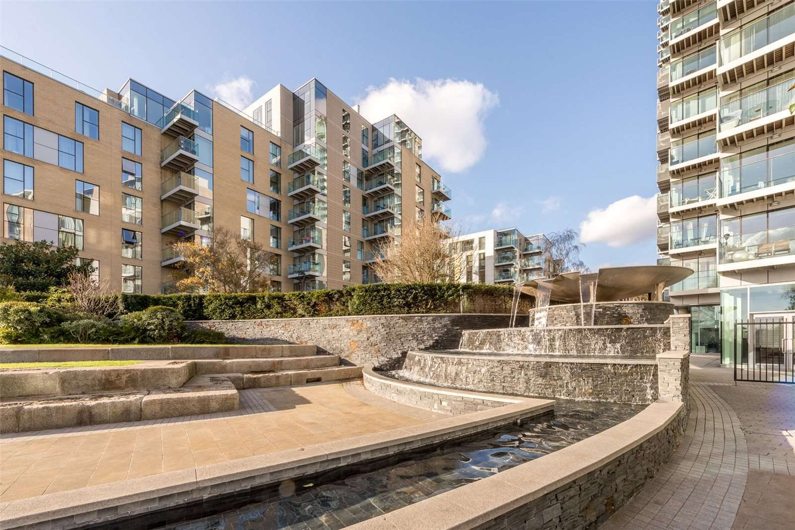 Kingly Building, Woodberry Down, Finsbury, London, N4