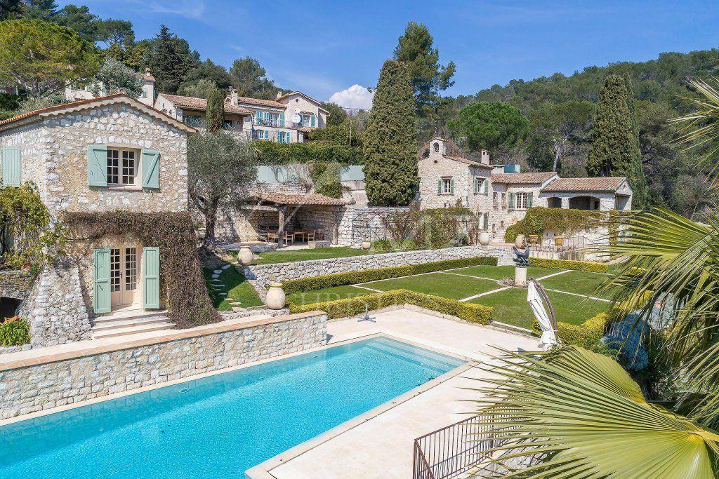 Close to Saint-Paul de Vence - Ravishing residence by Svetchine