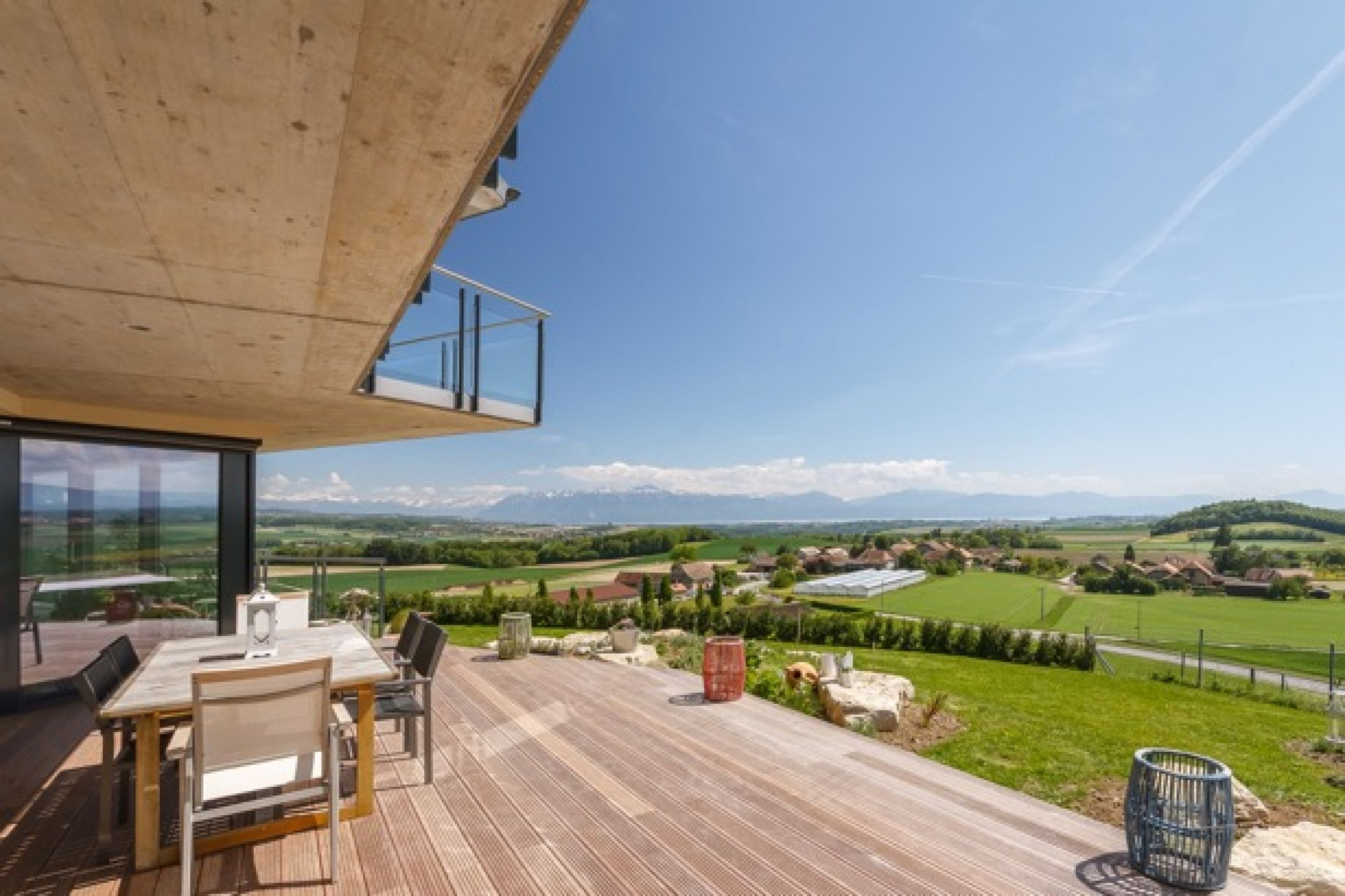 STUNNING ARCHITECT-BUILT VILLA WITH 10 ROOMS AND PANORAMIC VIEWS