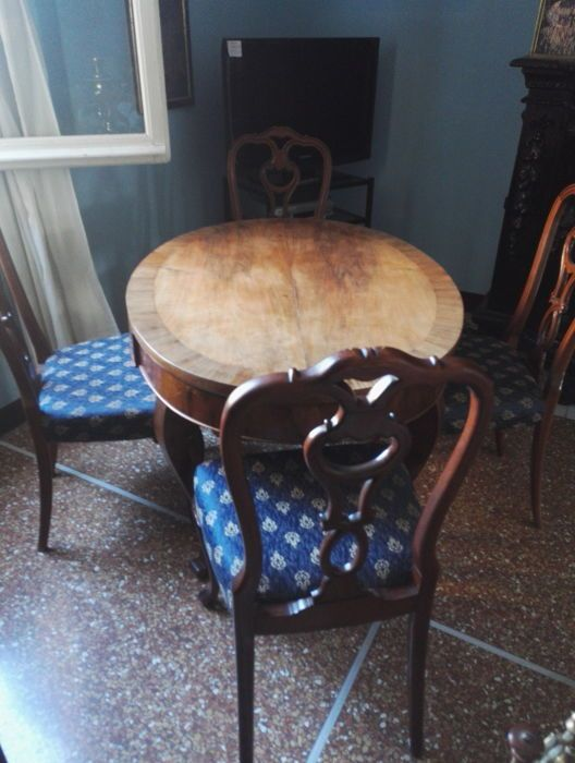 Light wood oval table and six chairs - Italy - late 19th century