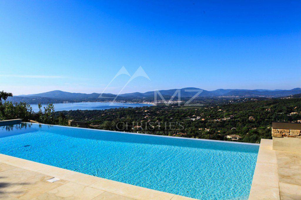 Between Saint-Tropez and Sainte-Maxime - Modern new Villa