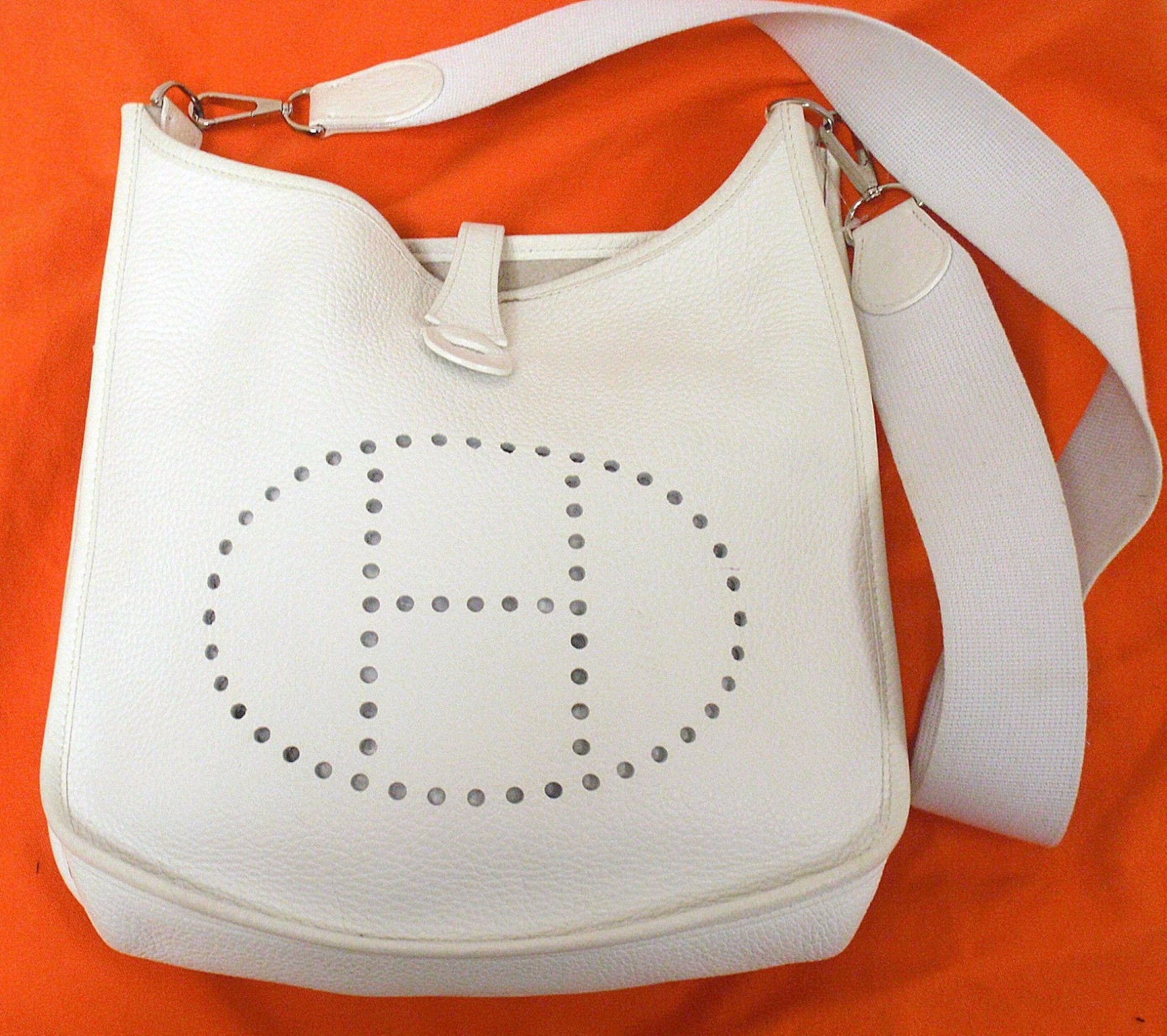 AUTHENTIC! HERMES EVELYNE PM II CREAM TOGO LEATHER SHW SHOULDER BAG