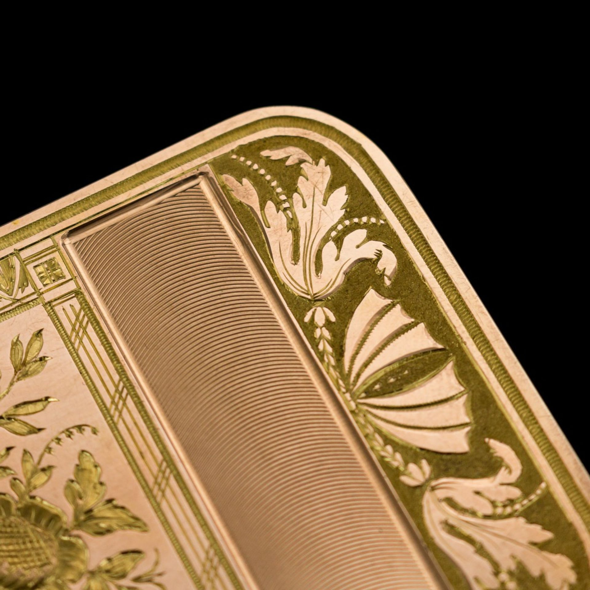 ANTIQUE 19thC CONTINENTAL 18K TWO-COLOUR GOLD SNUFF BOX c.1820