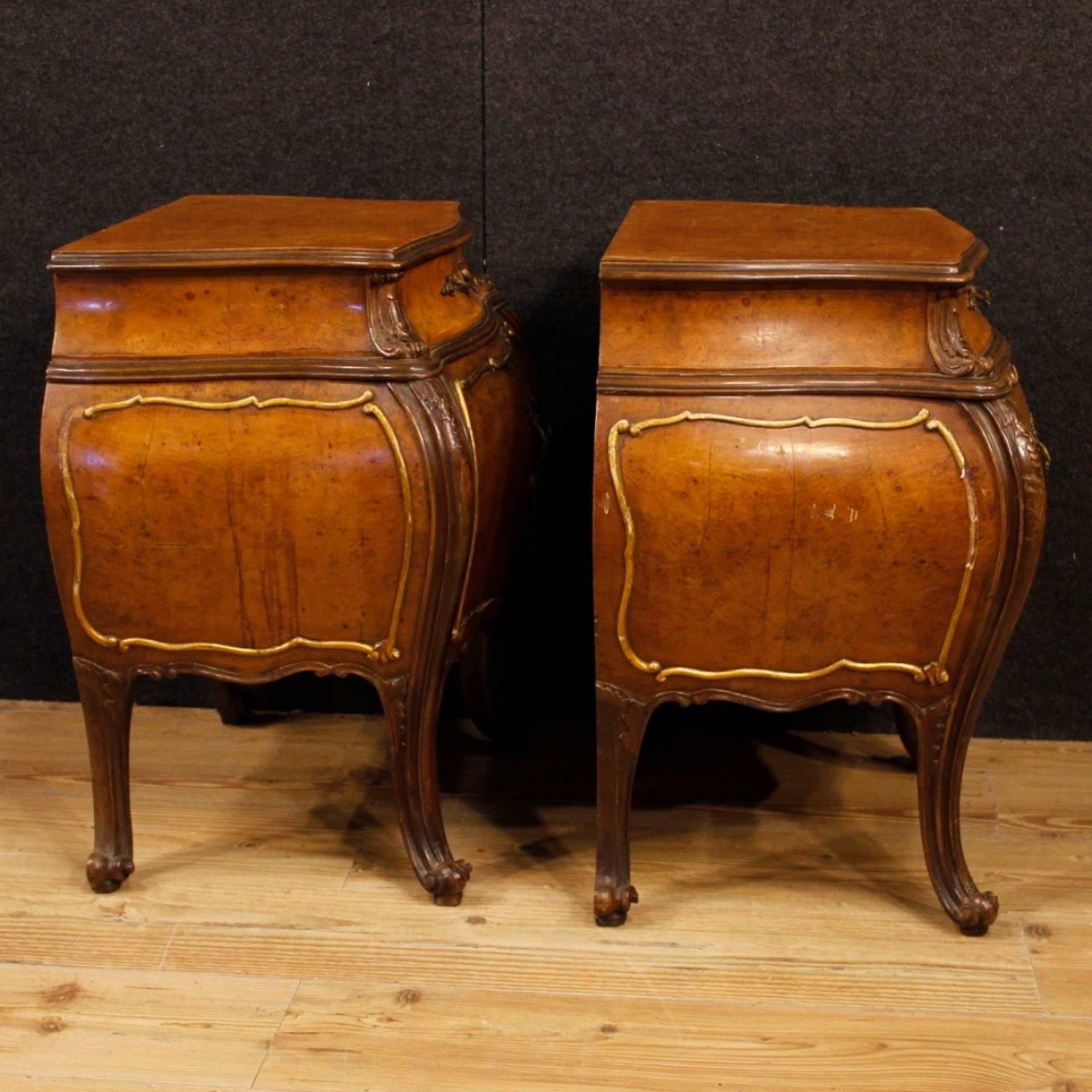 Pair Of Italian In Elm Burl And Oak Wooden Bedside Tables From 20th Century