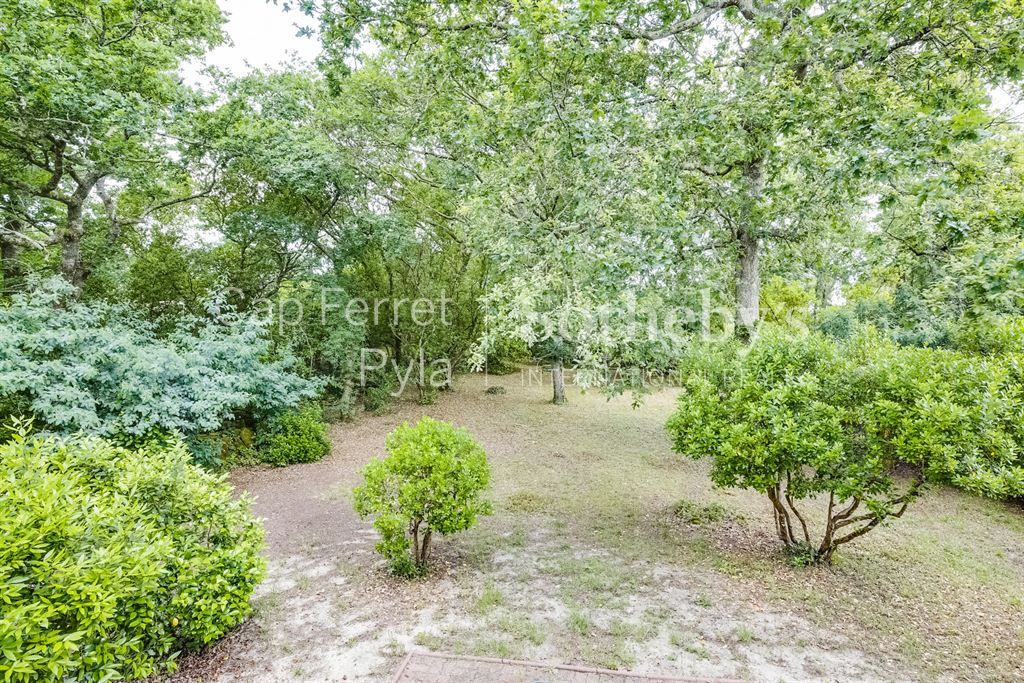 ARCACHON - VILLA NEAR SEASIDE WITH EXPANSION POSSIBILITIES