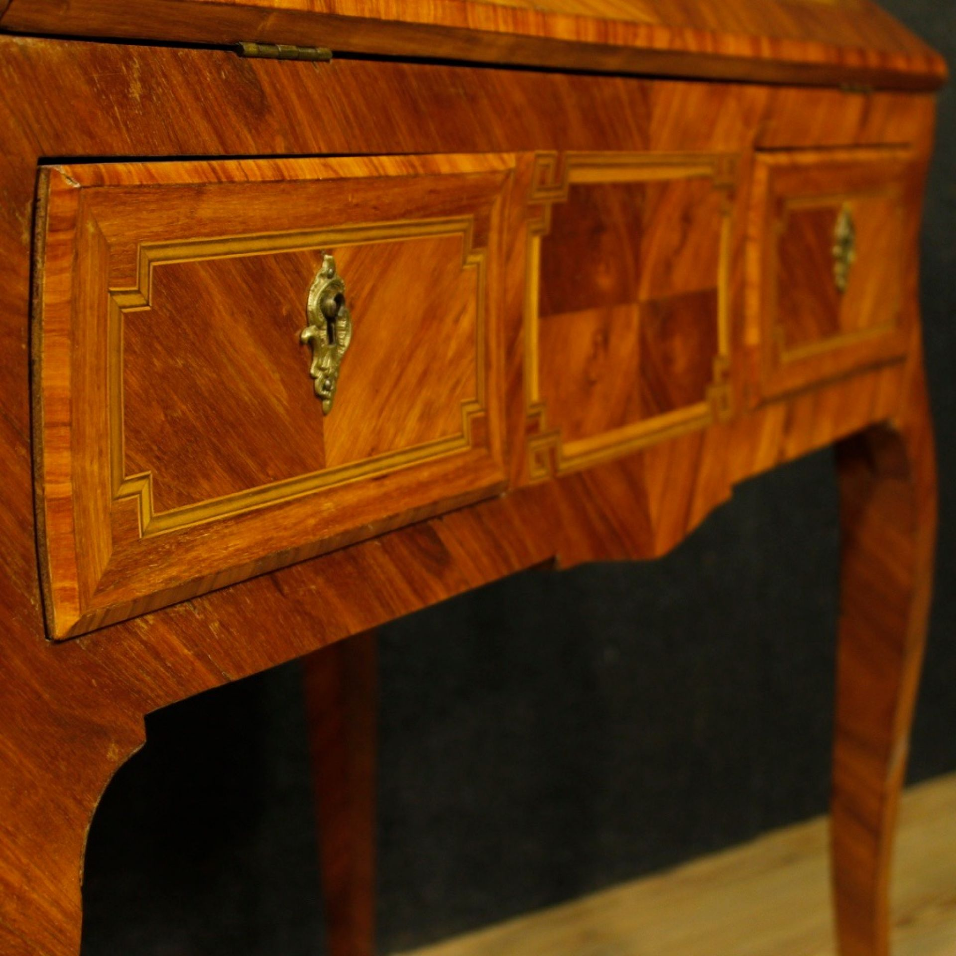 French Bureau In Inlaid Walnut, Rosewood, Maple, Tulipwood and Fruitwood