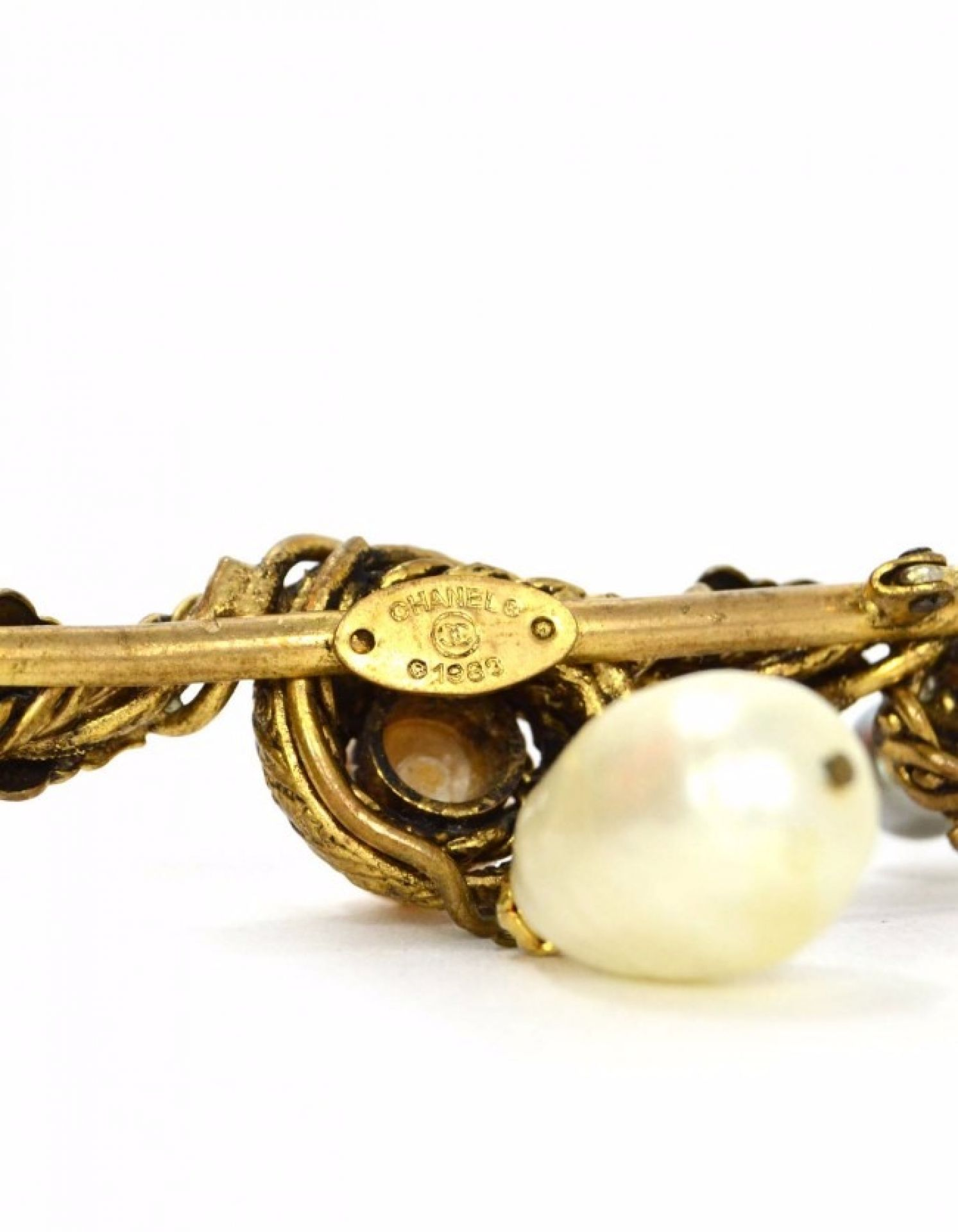 Chanel Vintage '83 Gold Leaf & Pearl Brooch Pin