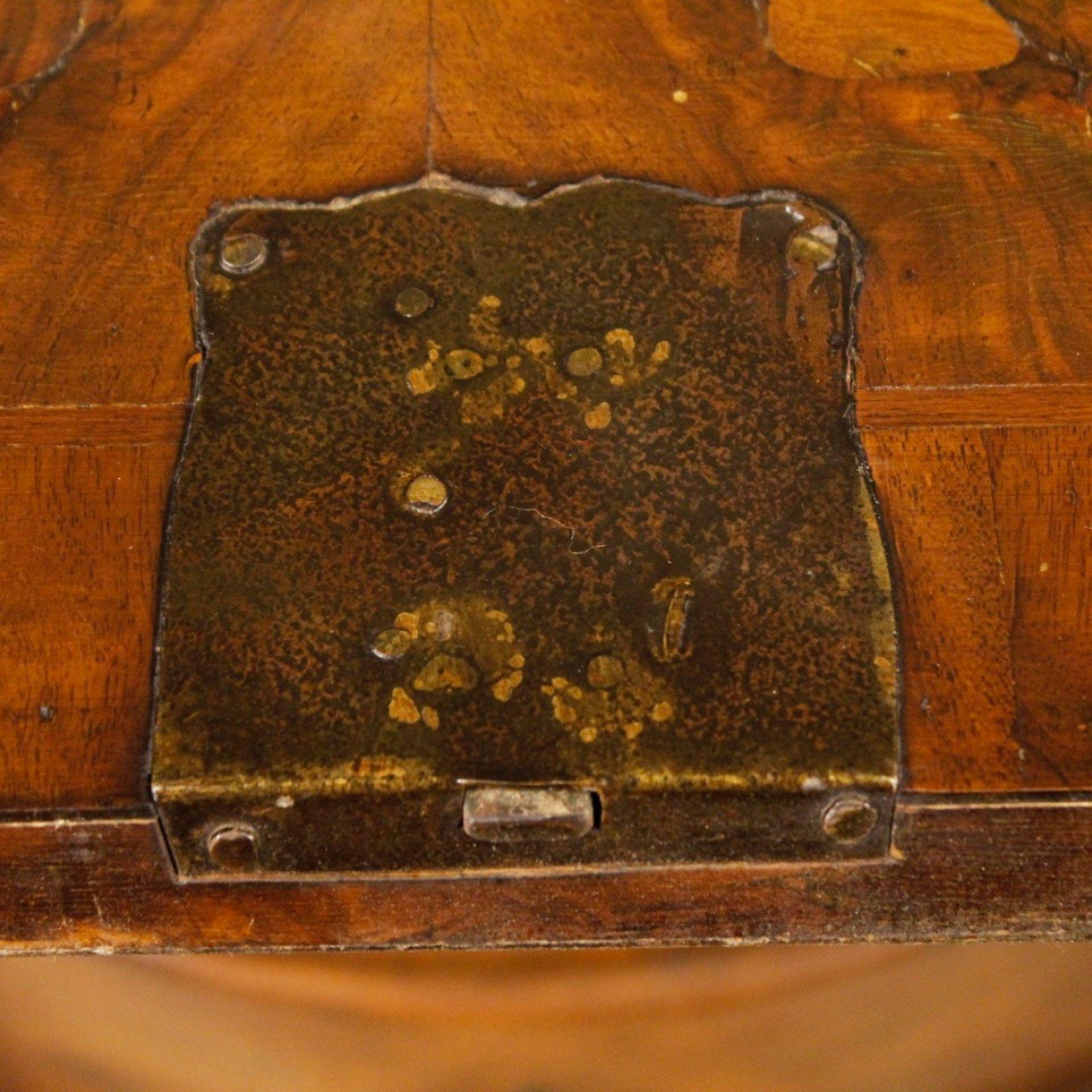 Venetian Bureau In Walnut, Mahogany And Burl Walnut From 20th Century