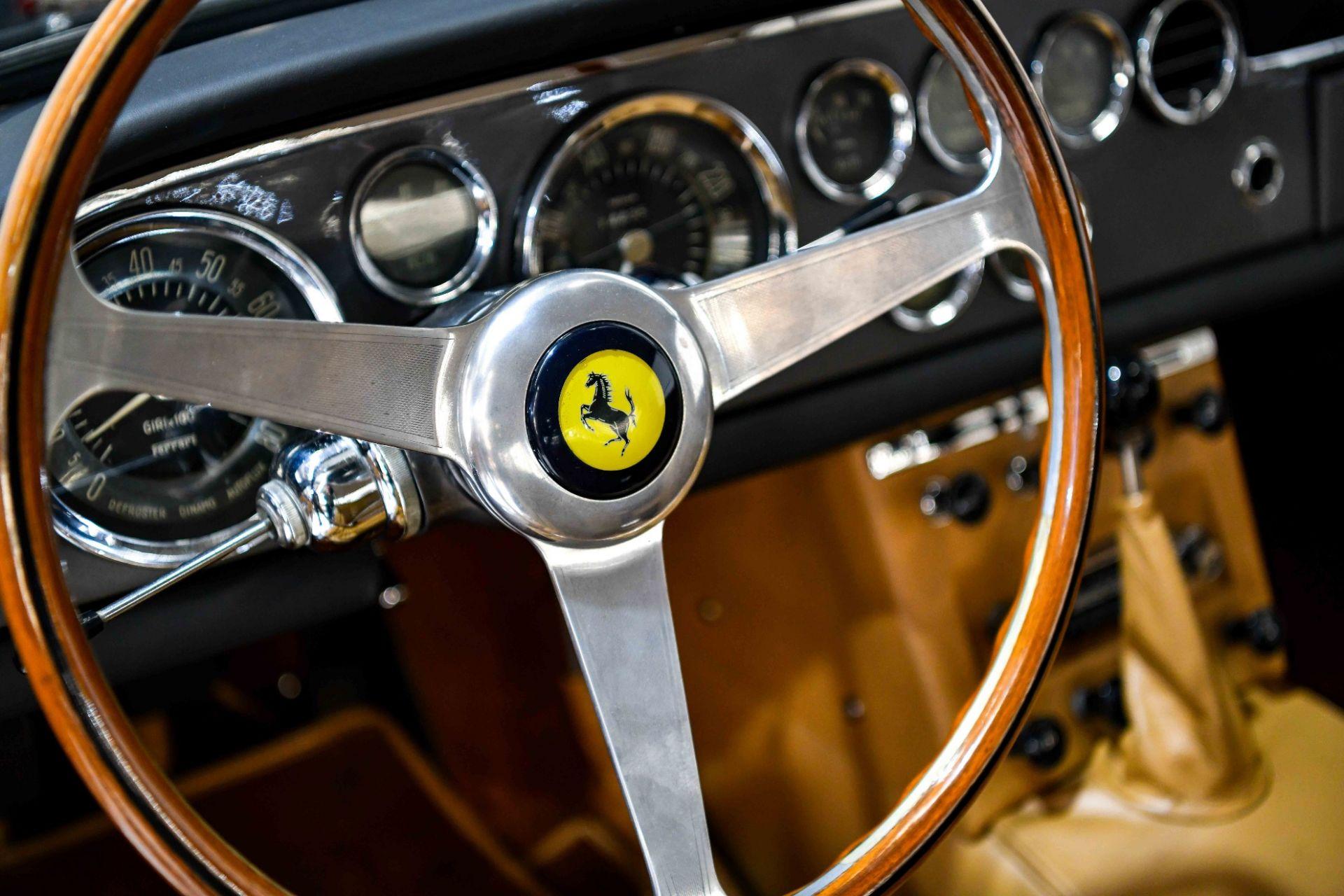 Ferrari 250 GTE V12 1962