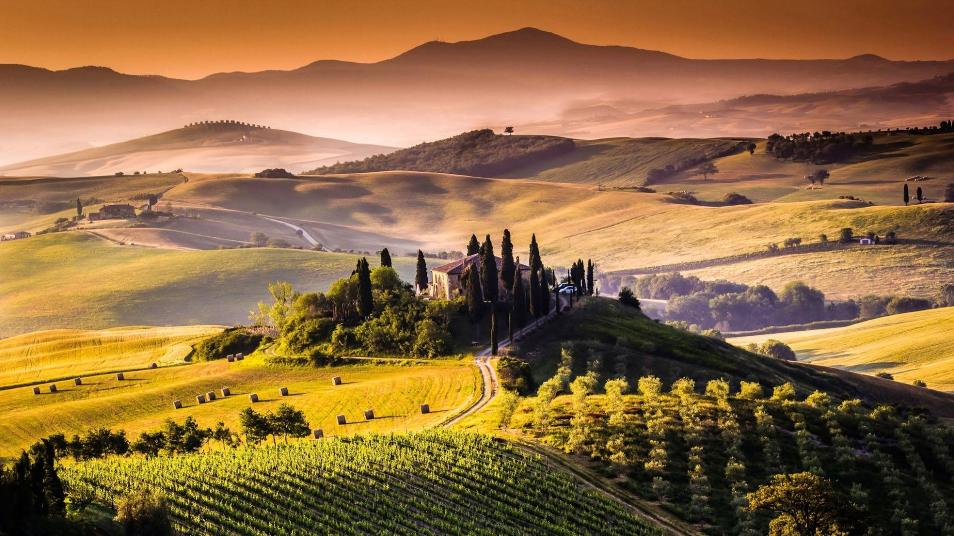 Enjoy a late summer vacation: rediscover Italy in a week