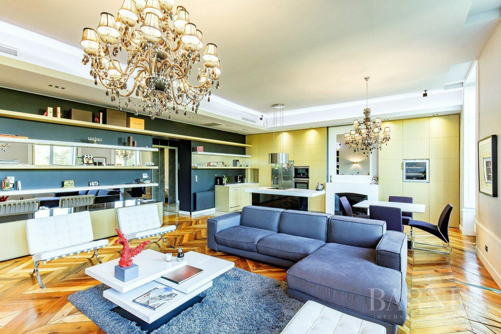 Lyon 6 - Foch - Renovated apartment of 117 sqm - 2 or 3 bedrooms