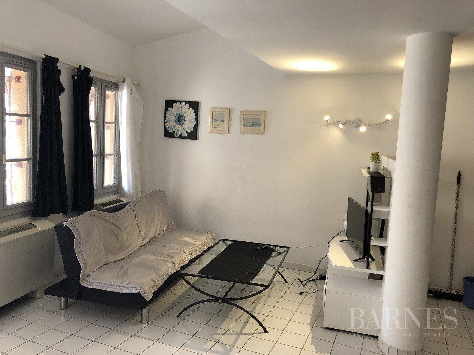 SAINT-TROPEZ- Apartment downtown in the quiet