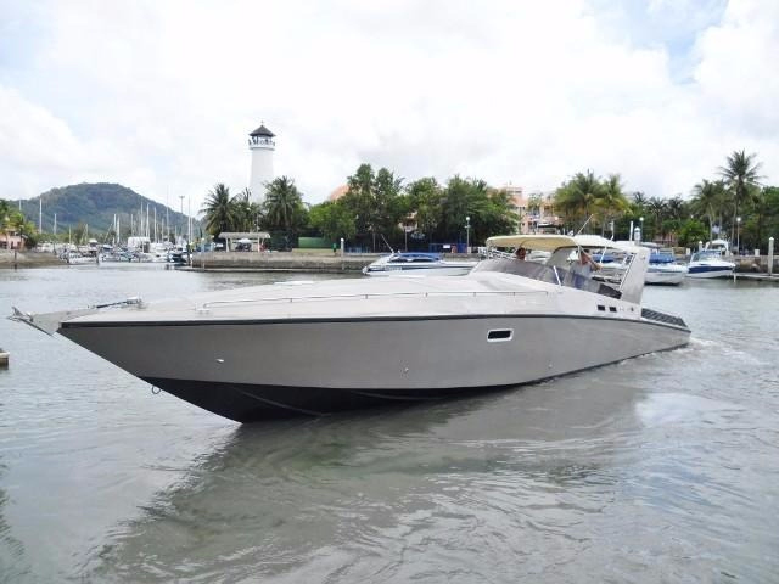 CUSTOM OFFSHORE POWER CRUISER 46