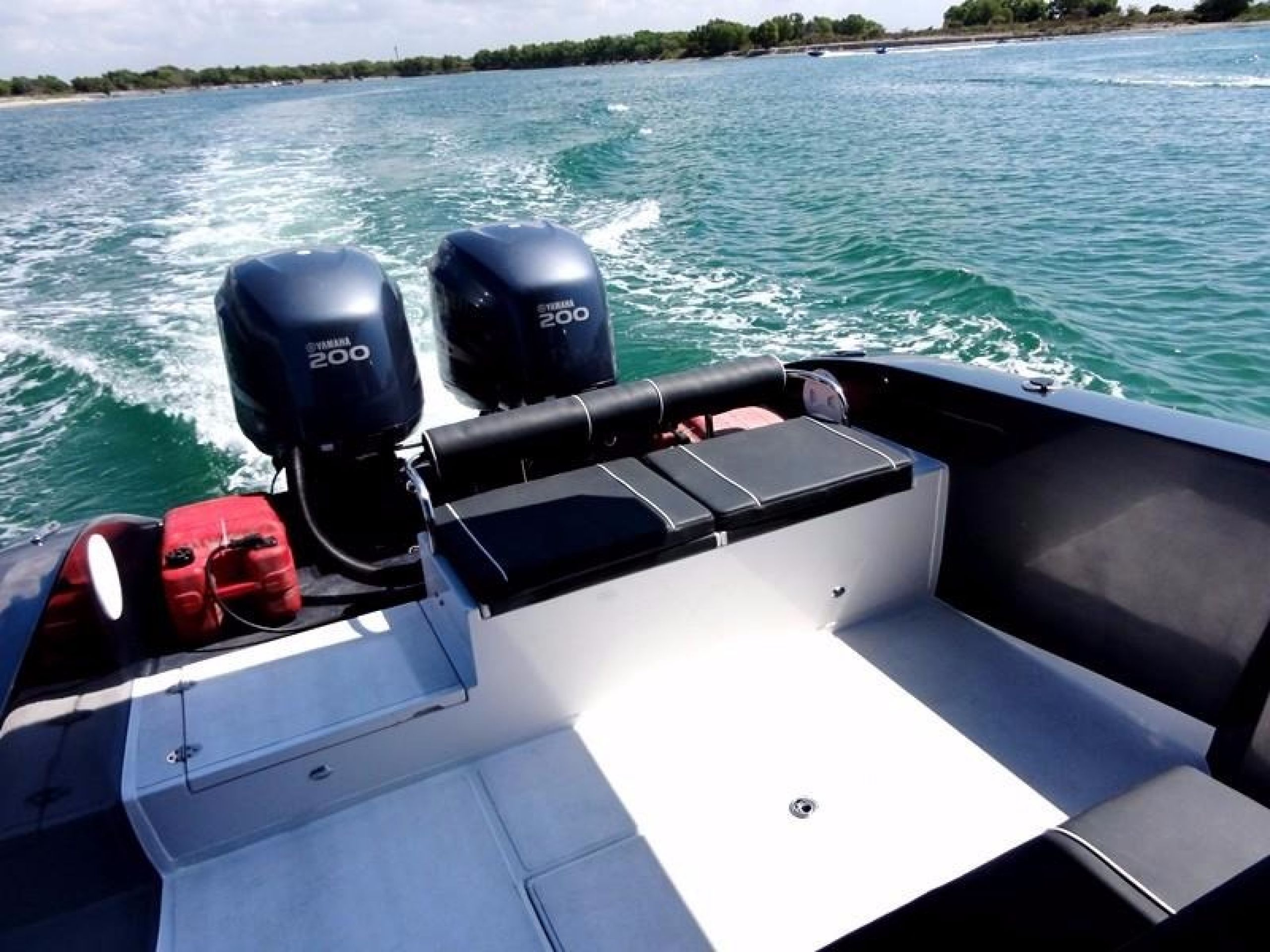 """NEW"" 29 FT CENTRE CONSOLE SPORTS BOAT"