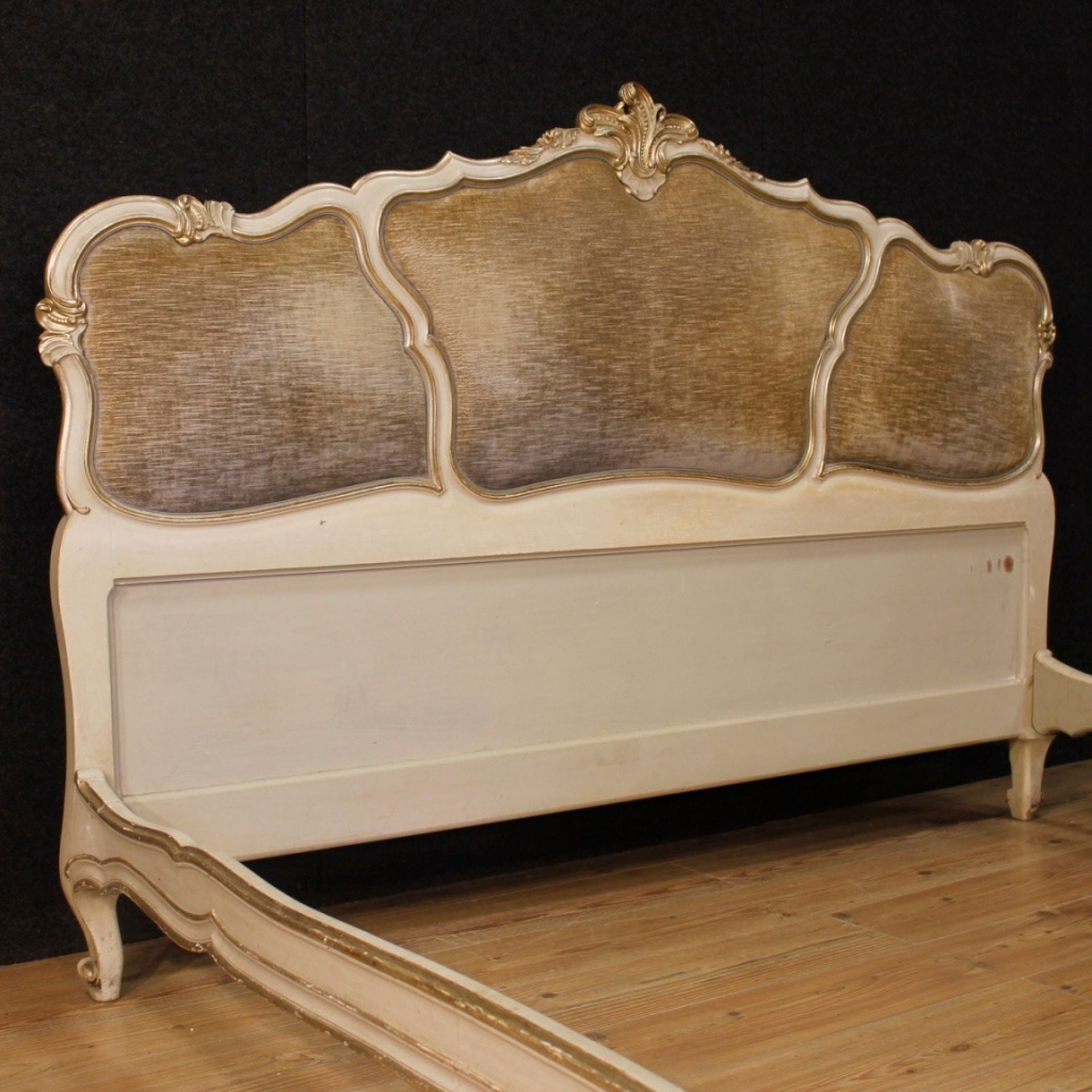 20th Century Lacquered and Silvered Wood and Velvet Venetian Bed, 1960