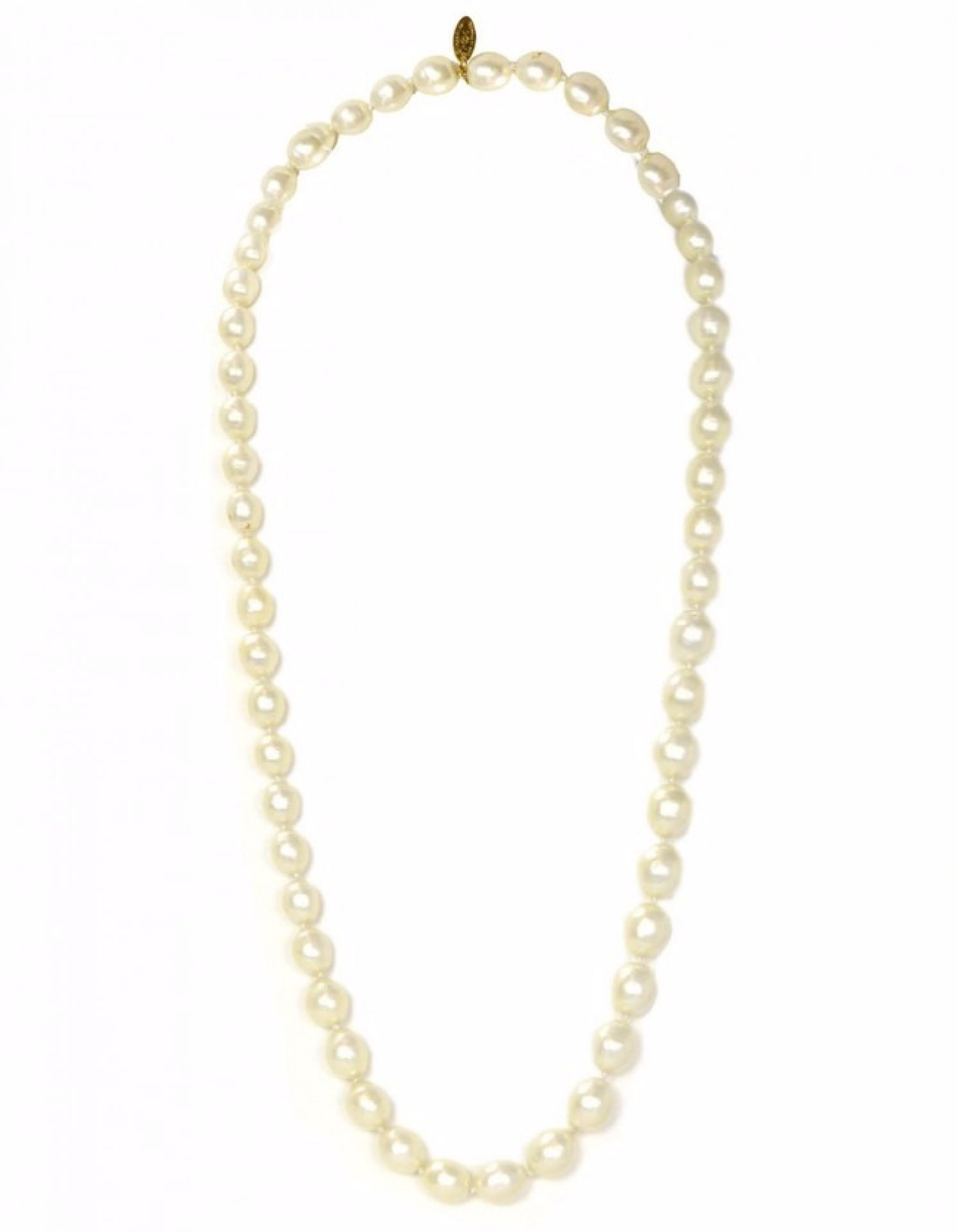 CHANEL Vintage '87 Graduated Pearls Single Strand Necklace