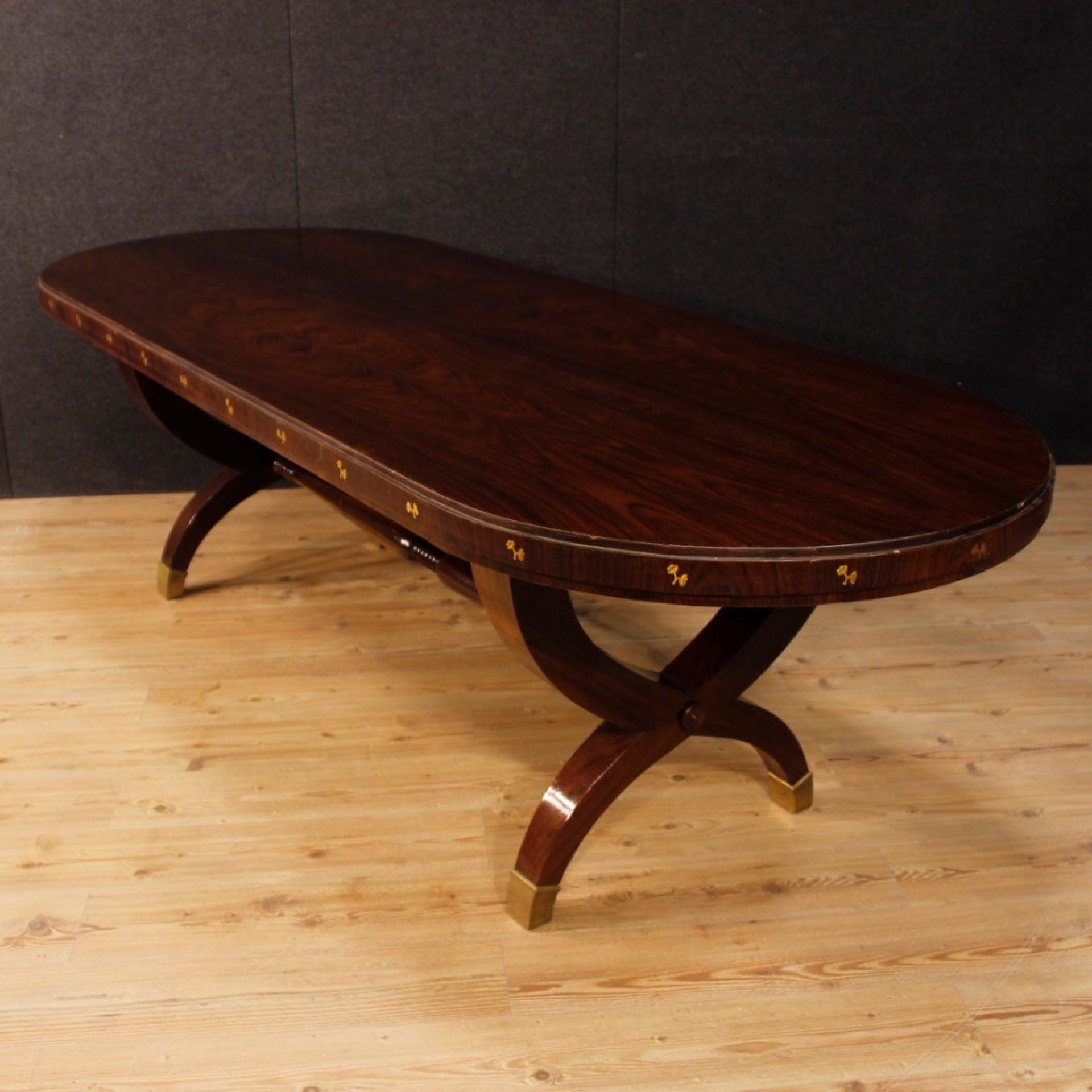 Paolo Buffa 20th Century Oval Palisander Wood Italian Design Dining Table, 1950