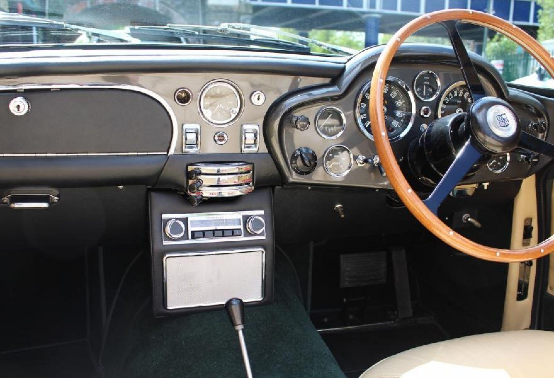 ASTON MARTIN DB6 VOLANTE RHD