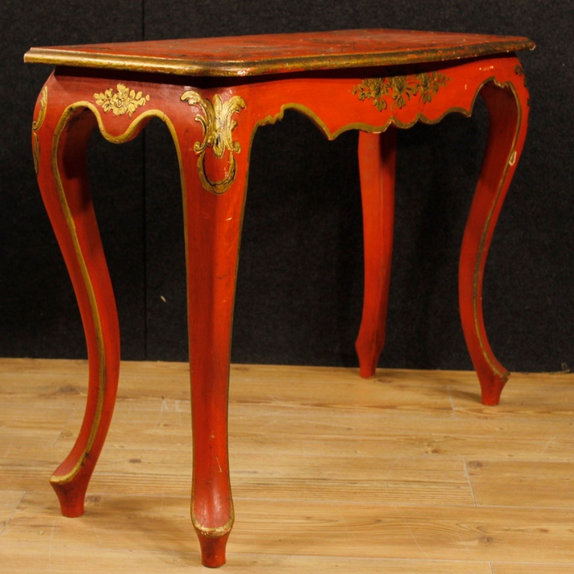 20th Century Orange And Golden Lacquered Wooden Chinoiserie Spanish Console