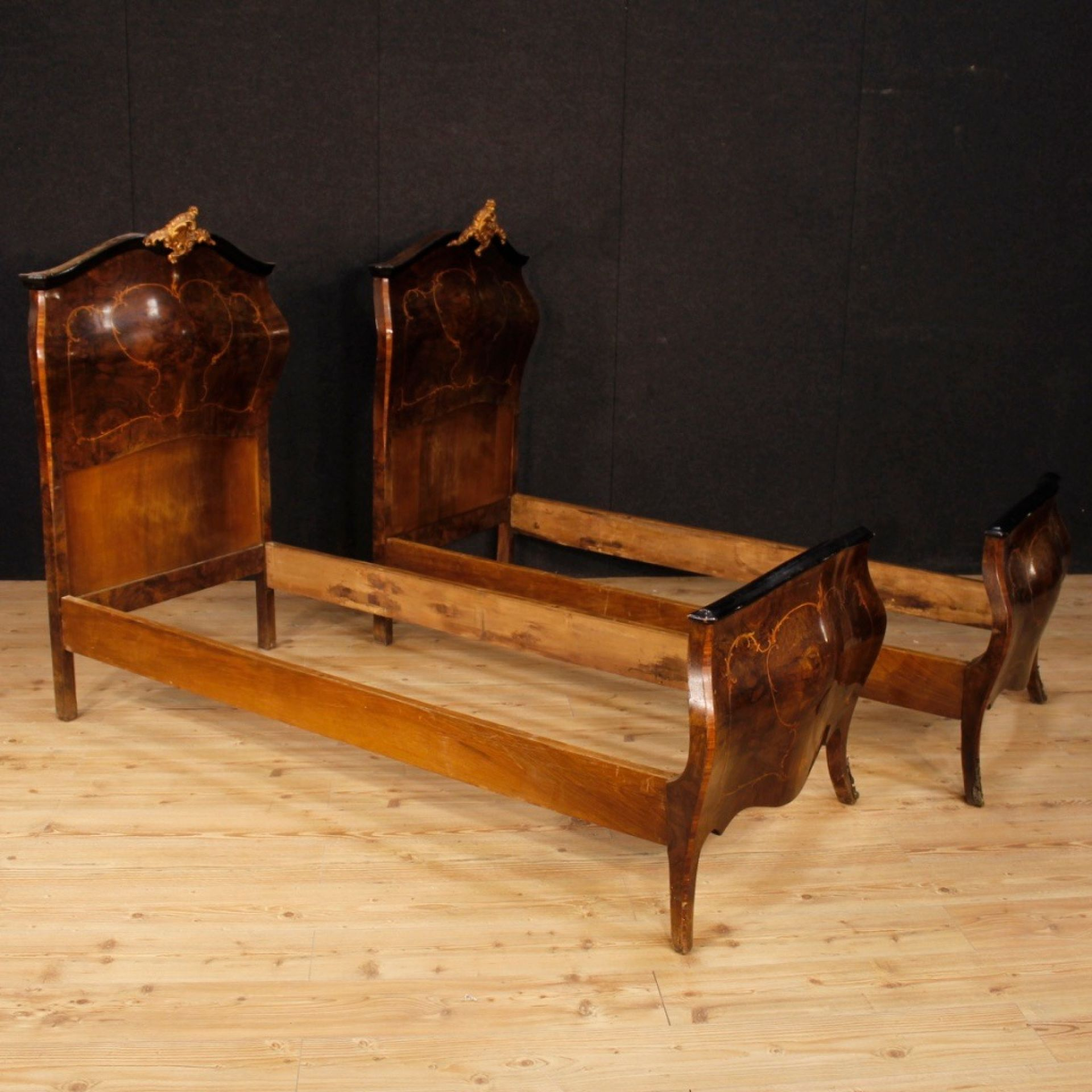 20th Century Wooden Italian Pair Of Sigle Beds, 1950