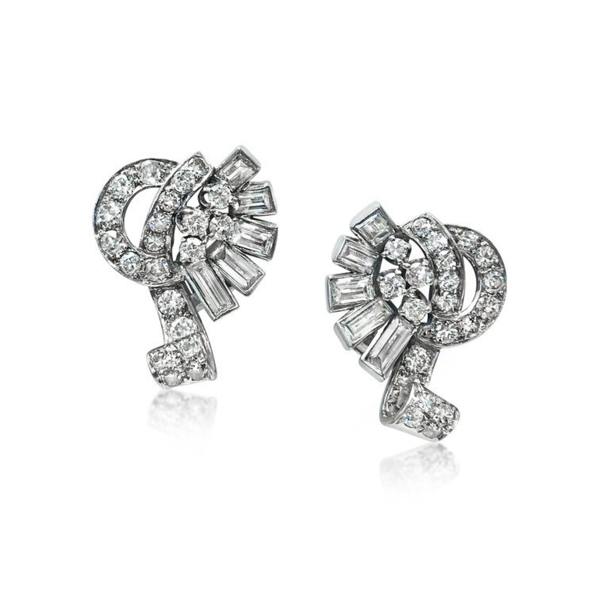 A PAIR OF RETRO DIAMOND EARRINGS