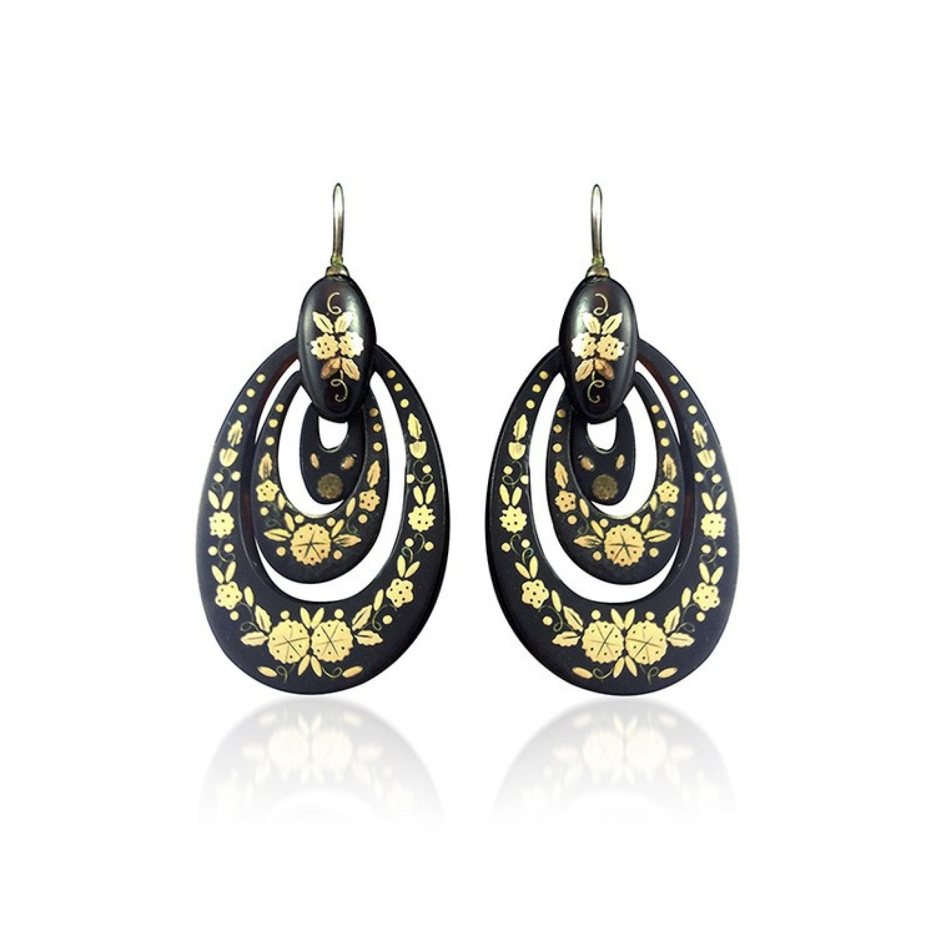 """A PAIR OF VICTORIAN """"PIQUE"""" TORTOISESHELL AND GOLD EARRINGS"""
