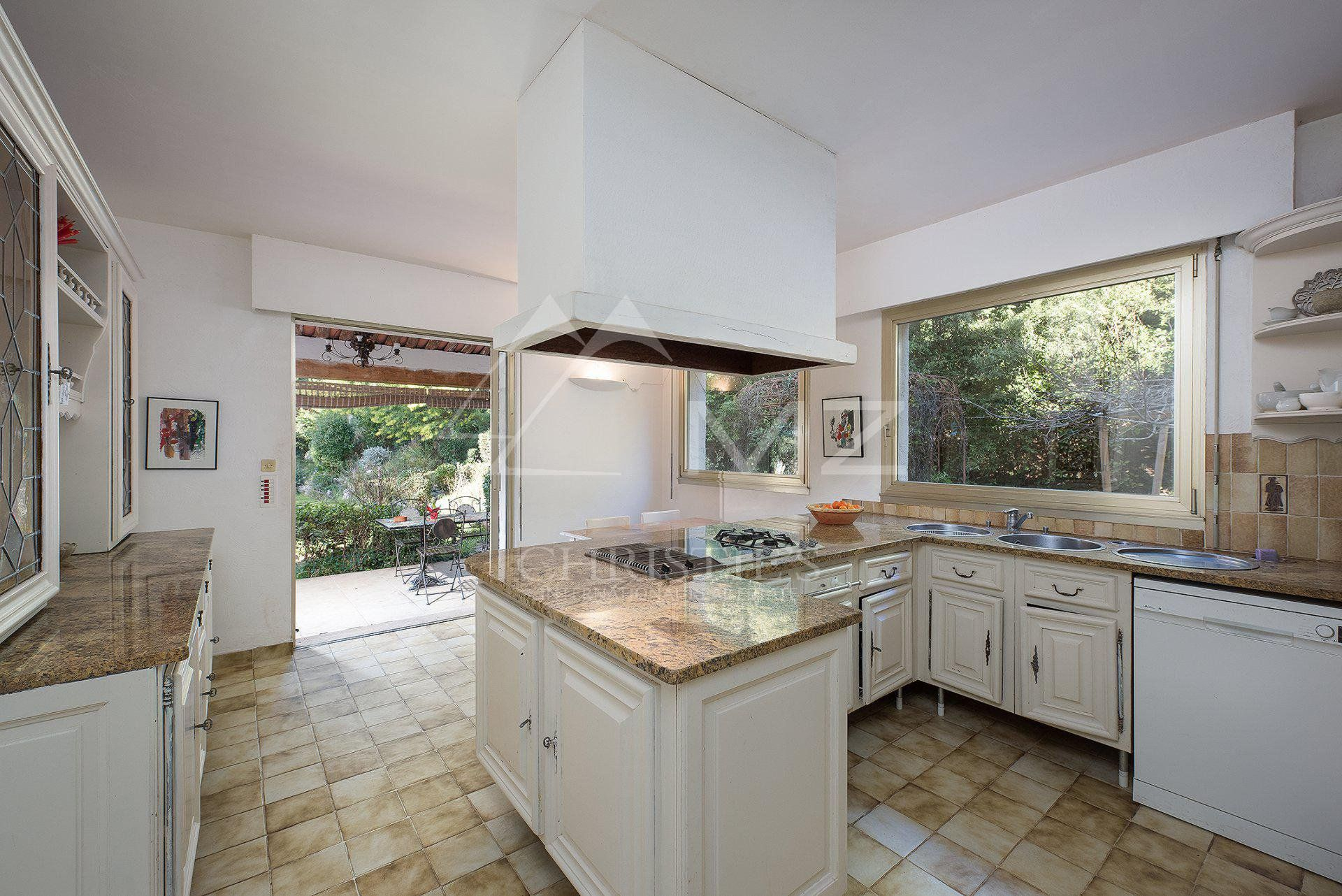 Cannes backcountry - Family villa with view