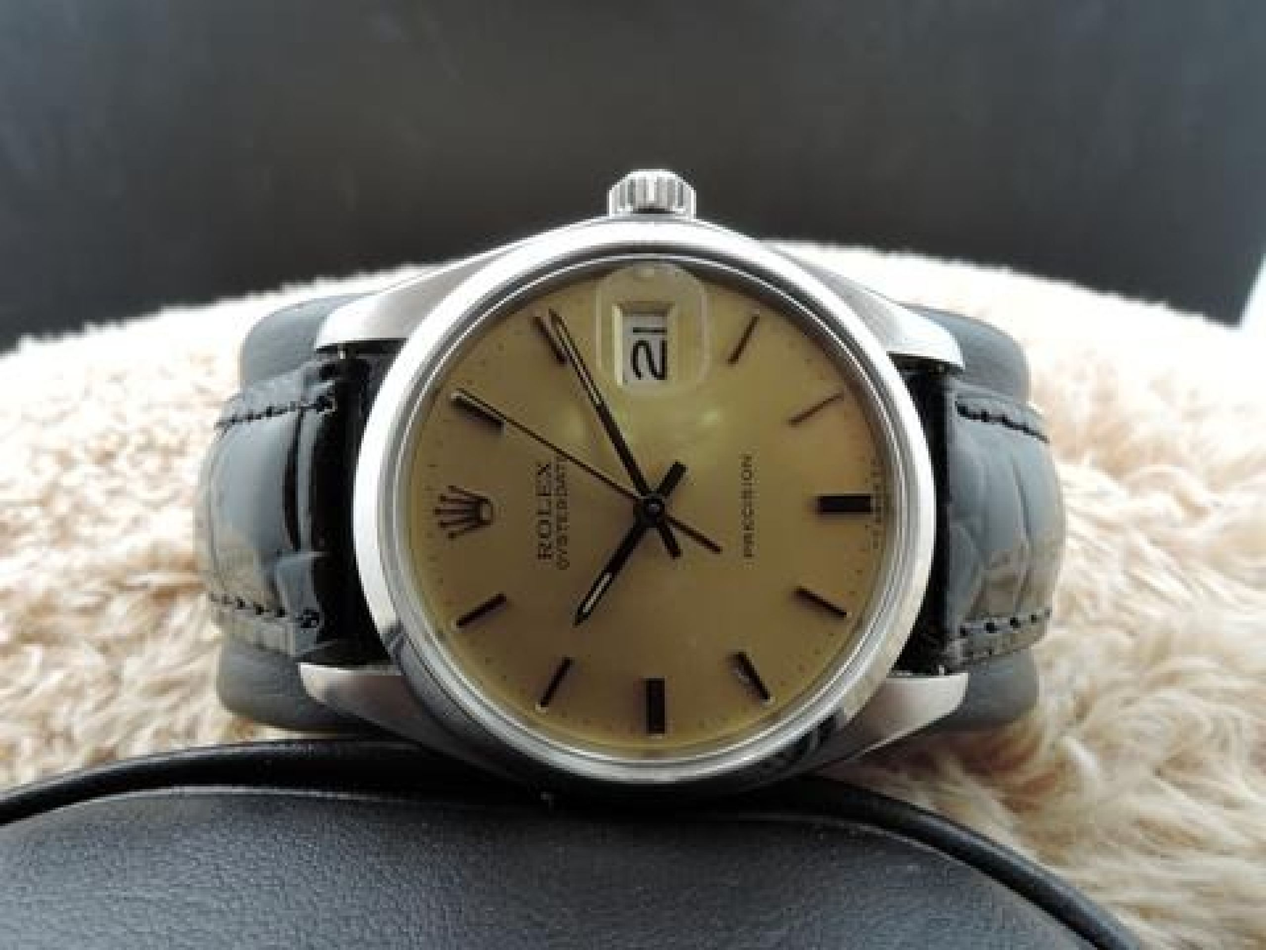 1975 ROLEX OYSTER DATE 6694 ORIGINAL GOLD DIAL WITH GOLD HANDS
