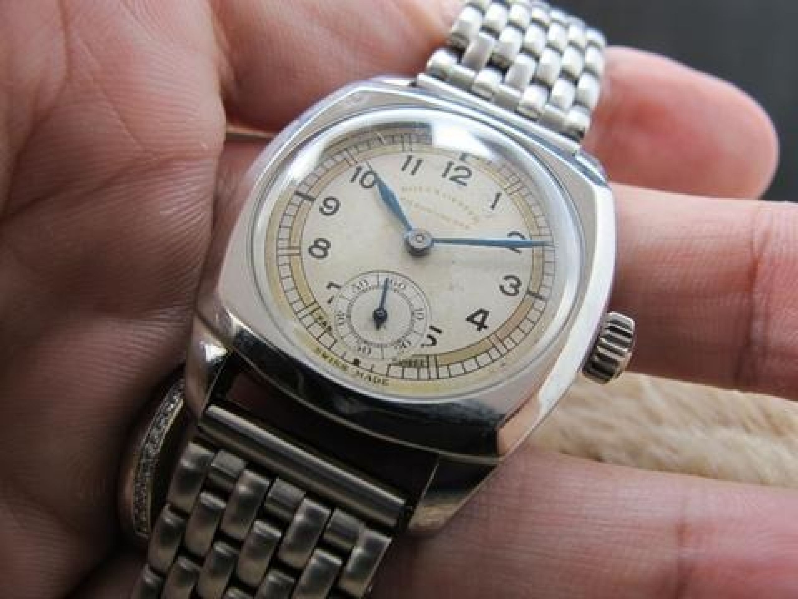 1940 ROLEX OYSTER MILITARY 3139 WITH CHAPTER RING DIAL AND SUB-SECONDS