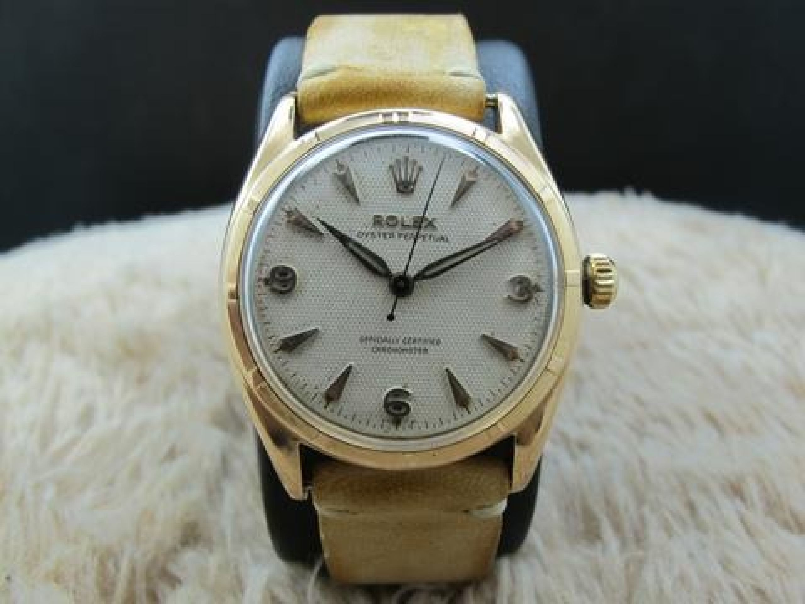 1952 ROLEX SEMI-BUBBLEBACK 6085 18K ROSE GOLD WITH HONEYCOMB DIAL