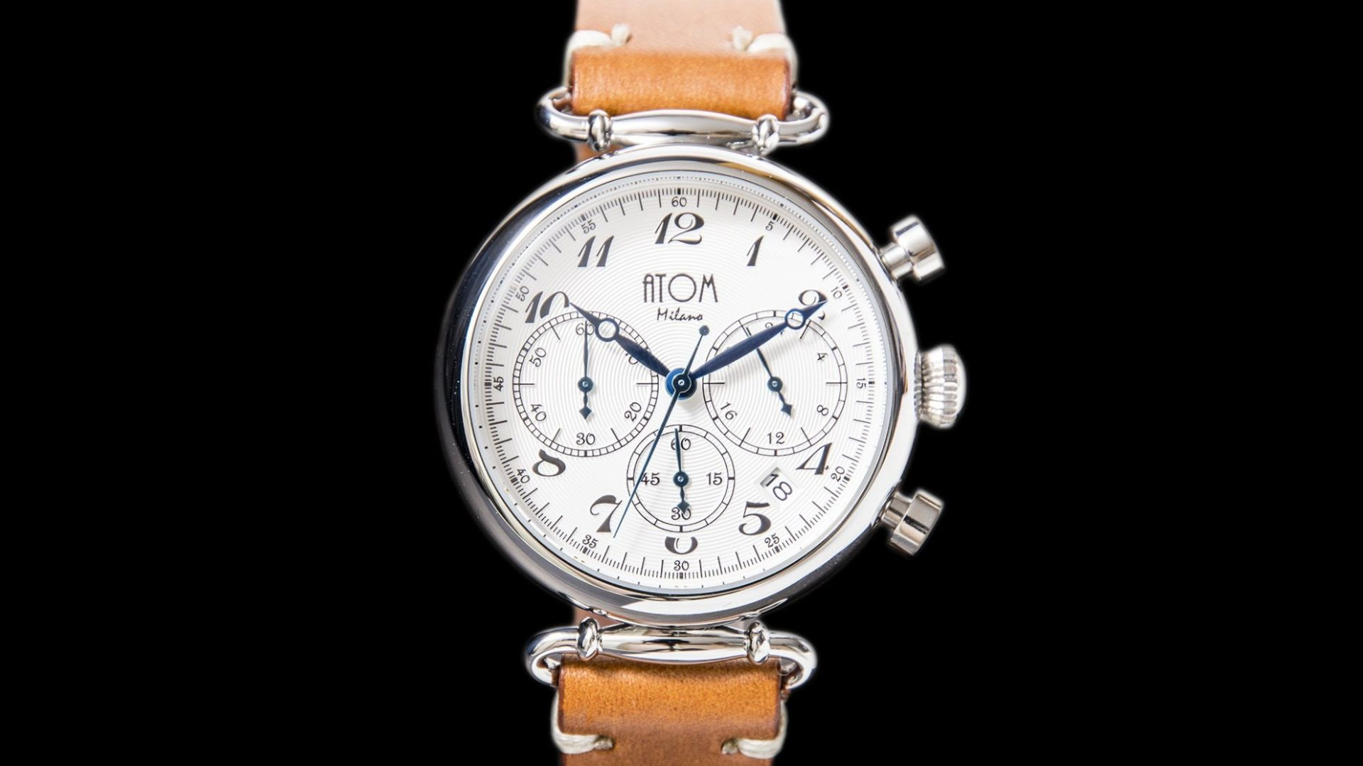 ATOM MILANO 40MM IN SILVER CASE AND LEATHER STRAP (SILVER)